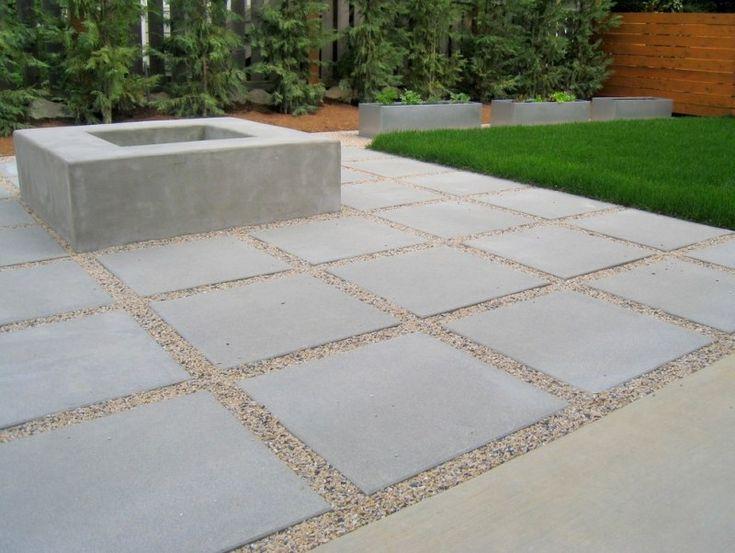Jardin moderne avec du gravier d coratif galets et for Foyer exterieur a donner
