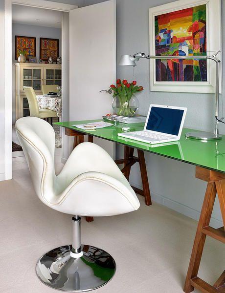 mesa de cavalete com tampo de vidro colorido e cavalete de madeira Home Office