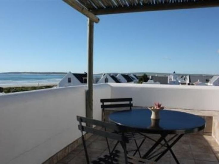 Restio - Restio is situated in the picturesque fishing village of Paternoster, located 5 km north-west of Vredenburg and 145 km north of Cape Town.This room offers gorgeous views and is perfect for a couple wanting ... #weekendgetaways #paternoster #southafrica