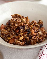 Chunky Granola | This crispy, lightly sweet, brittle-like granola is made with high-fiber oats and protein-rich seeds, including flaxseeds