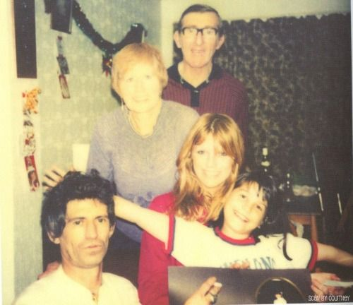 Keith Richards, Doris & Bill Richards, Patti Hansen, and Angela Richards - 1982
