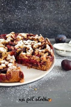 Owsiana tarta ze śliwkami bez cukru, mleka i glutenu