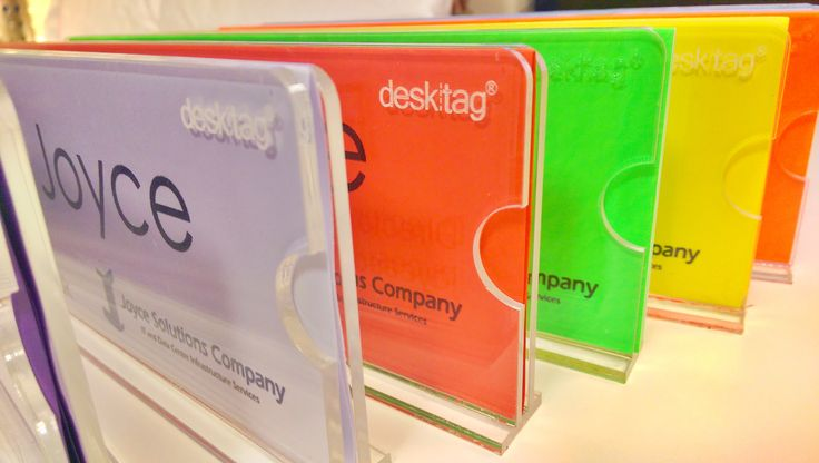 Colour coding your #office #nametag doesn't get much easier than this. Just swap out the A4 paper @desktag insert and you are good to go ☝