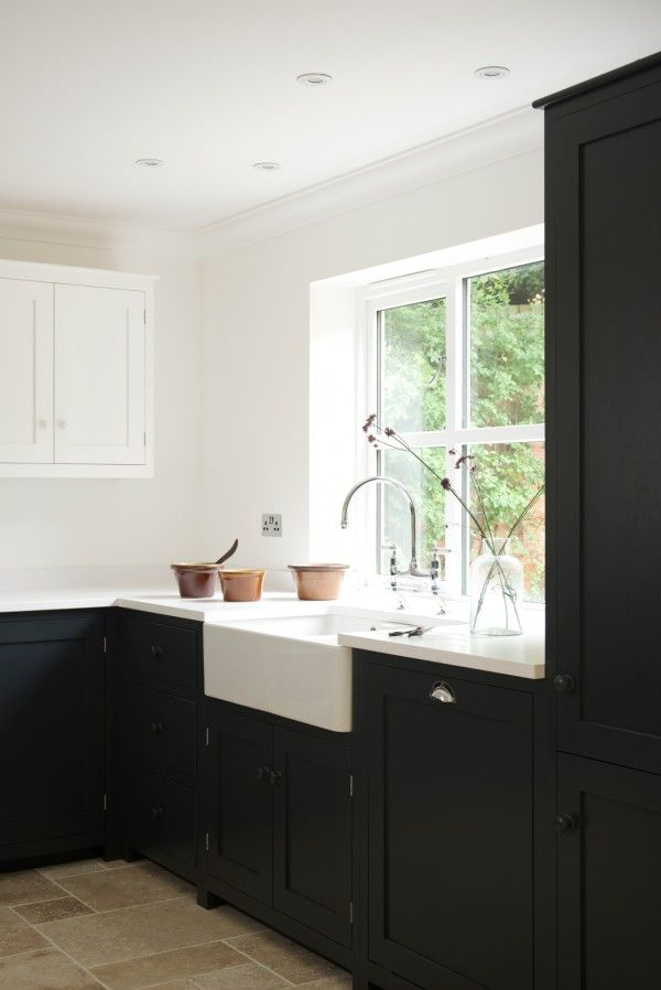 Staffordshire Shaker Kitchen: Painted in 'Pantry Blue' by deVOL Kitchens
