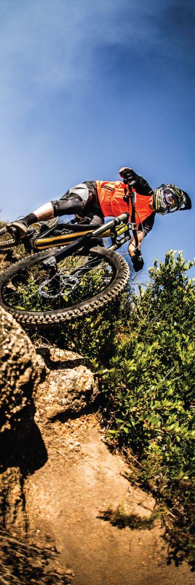 Er han glad i adrenalin og ekstremsport? Gi bort en dag med Downhill! Det er løyper etter alle ferdighetsgrader og alt av sikkerhetsutstyr er inkludert.