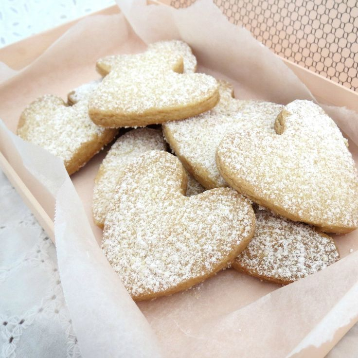 Whip up some of these impressive Shortbread Biscuits by Debra Lee for the weekend.