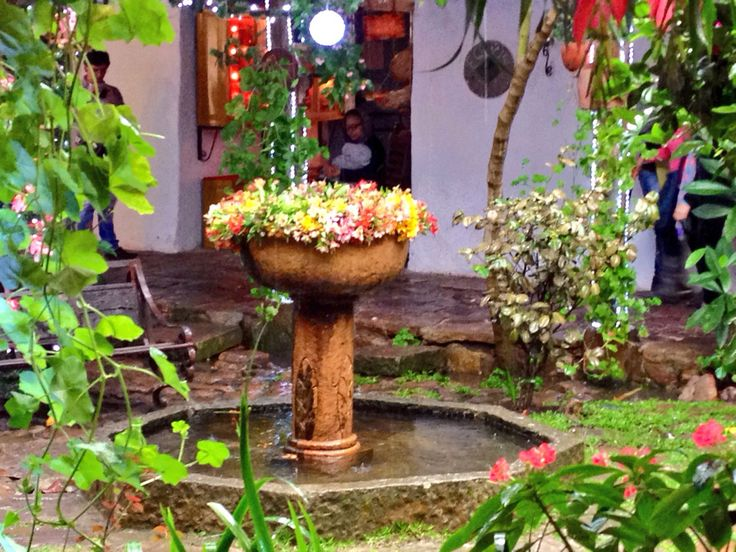 Fuente de flores en Villa de Leyva