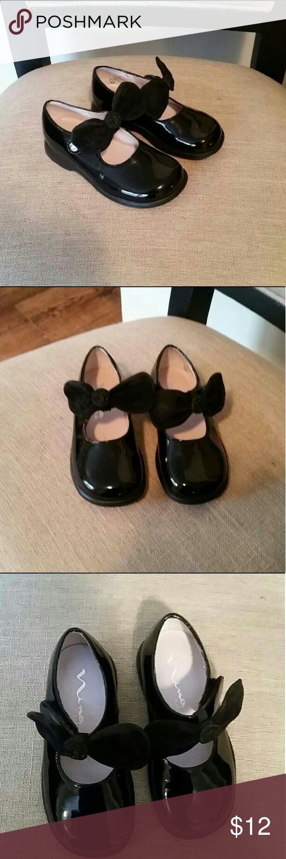 FINAL SALE!!!New Toddler Girls Dress Shoes sz.7.5 New Nina Dress Shoe sz.7.5  Toddler Girls  Color black Ret $39 FINAL SALE, PRICE FIRM!! Nina Shoes Dress Shoes