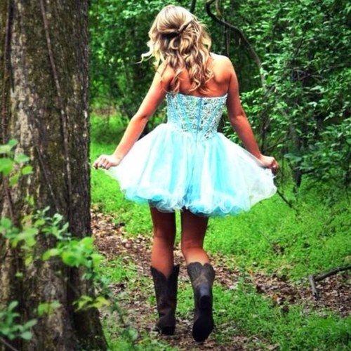country prom dresses with boots | Registriere dich und folge weiteren coolen Inhalten.
