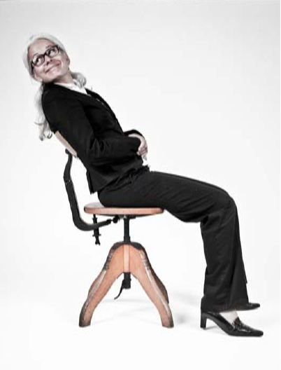 """""""Federdreh"""" chair (1925) in action, ergonomic revolution at that time."""