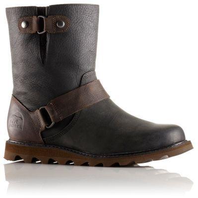 Dieser robuste und zeitlose, wasserdichte Stiefel ist ein wahrer Klassiker und bietet ein weiches Obermaterial aus vollnarbigem Leder sowie eine sehr bequeme geformte Gummisohle. Mit ihm erhalten Sie einen sowohl robusten als auch raffinierten Look. Das geformte EVA-Fußbett besitzt eine integrierte Fersenkappe und Fußgewölbestützung, damit Ihre Füße auch nach langen Strecken nicht schwer werden.