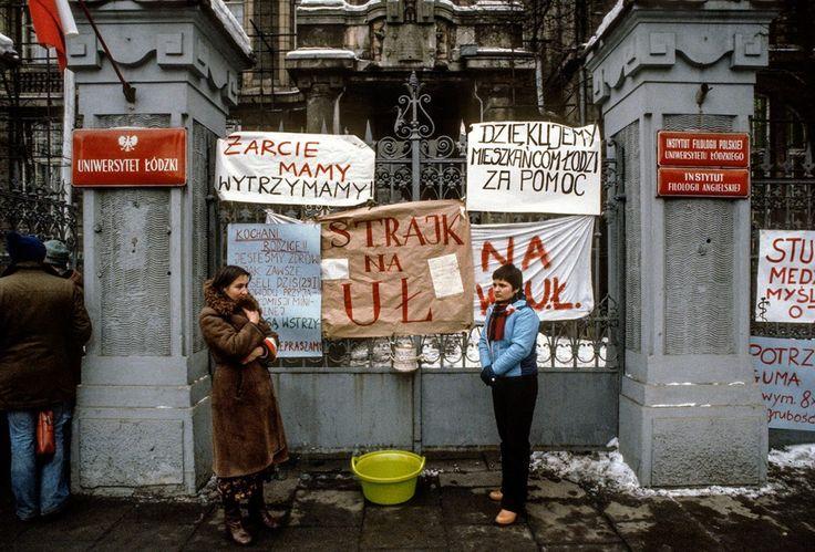Strajk studentów na Uniwersytecie Łódzkim  Łódz 1981  Fot. Chris Niedenthal