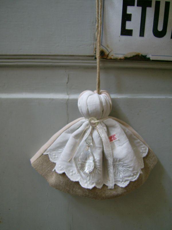 vente atelier 03 11 2011 104                                                                                                                                                                                 Plus