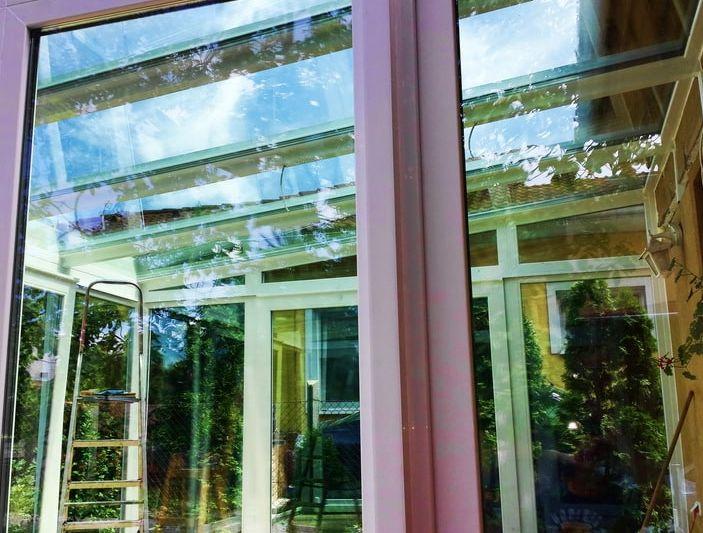 A terasz beépítése, üvegtetővel, bárki számára elérhető! https://telikertepites.net/telikert-kepek/