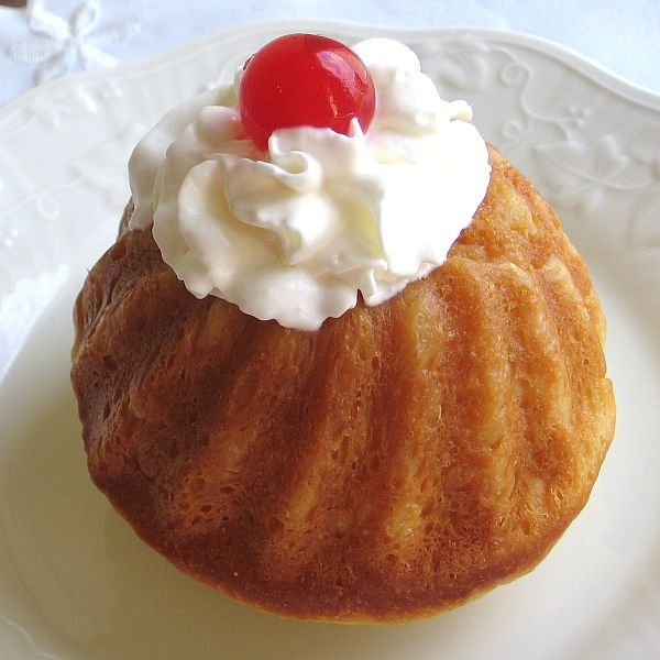 Romanian Savarin Recipe - Savarina - Romanian Baba au Rhum
