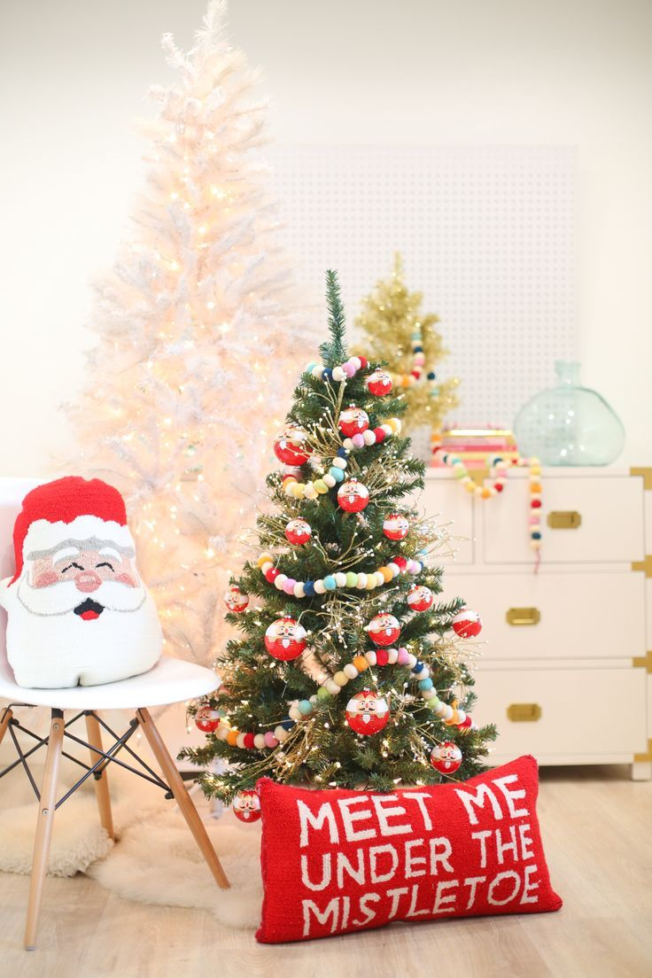 Christmas Decoration Idea A Mini Tree In The Kids Room Lovely Indeed In 2020 Christmas Tree Themes Christmas Kids Room Christmas Tree Decorating Themes
