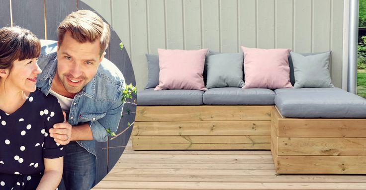 Nu vill vi njuta ute! David och Sandras fina soffa med praktiskt förvaring under locket, bygger du enkelt själv. Följ beskrivningen här.