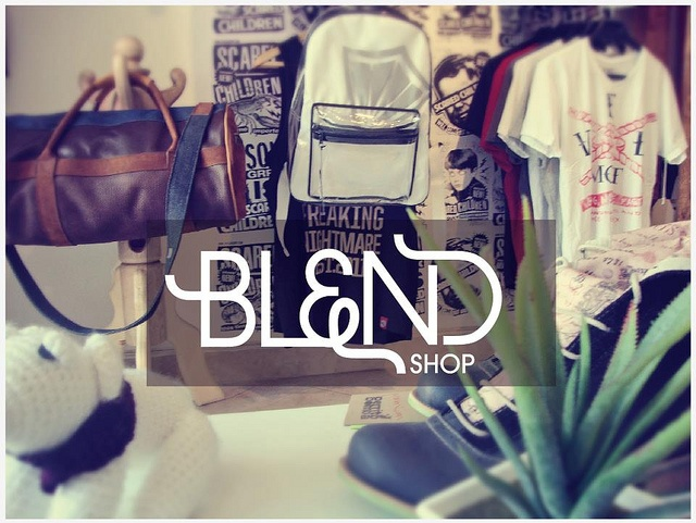 punto de venta Laureles by Blendshop Medellín, via Flickr