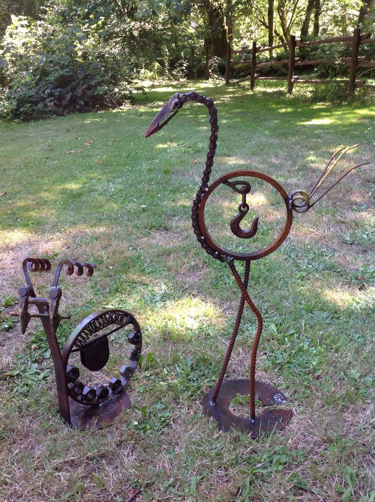 17 best images about scrap metal ideas on pinterest for Wire yard art