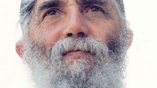 Μπορεί ο Γέροντας  Παΐσιος, κατά κόσμον Αρσένιος Εζνεπίδης, να εκοιμήθη στις 12 Ιουλίου 1994, όμως είναι πολλά τα θαύματα που οι πιστοί διηγούνται ότι έπραξε μετά την κοίμησή του.