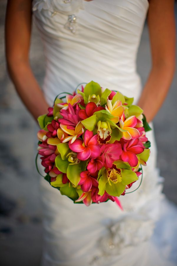 Maui Wedding Bouquet | Gorgeous Maui Weddings photo by Kaua Photography