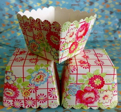 cute: Cupcake Liners, Countryside Flowers, Cupcakes Liner, Squares Cupcakes, Cases 20, Flowers Squares, Square Cupcakes, Cupcakes Rosa-Choqu, Muffins Cases