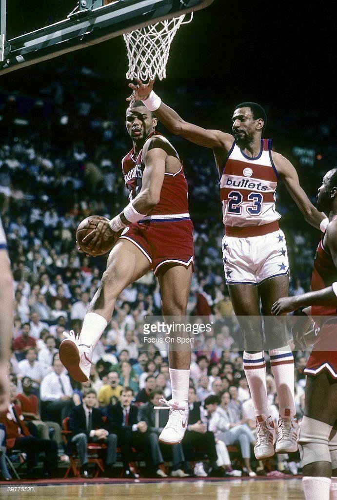 Pin By Antonio Williams On Nba Old School Charles Barkley Philadelphia Sports Nba Legends