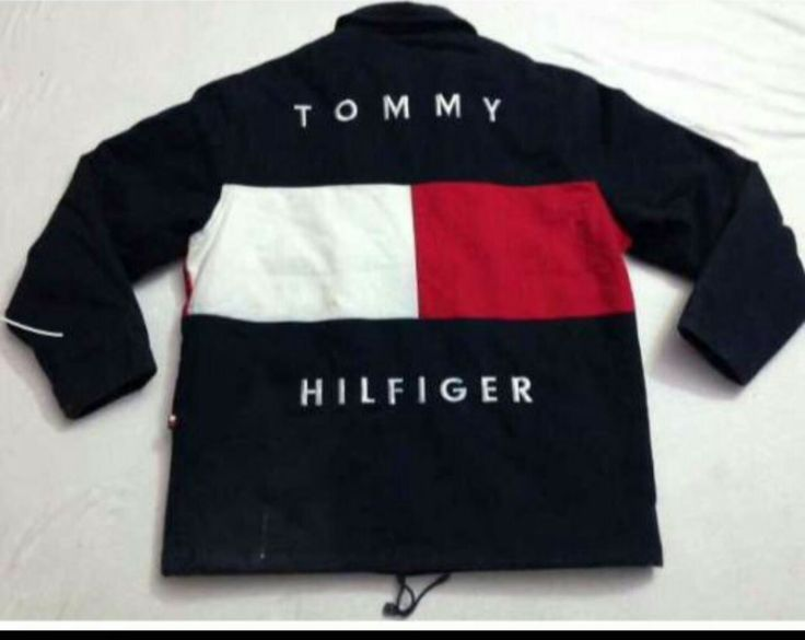 TOMMY HILFIGER WIND BREAKER....I need this like asap