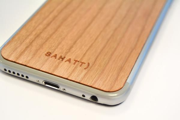 GLASIR iPhone natural wooden cover for #iPhone4 #iPhone4s #iPhone5 #iPhone5s #iPhone6 #iPhone6s #iPhone6splus #iPhone6plus Every cover is original and every cover is different, get your  sahatt style whit these covers.