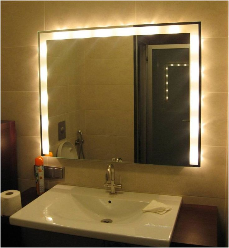 The best lighting for flawless makeup application from Best Lighting For  Makeup In A BathroomBest 25  Best lighting for makeup ideas on Pinterest   Light  . Good Bathroom Lighting Makeup. Home Design Ideas