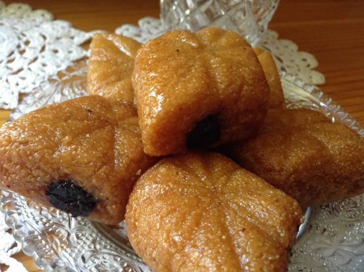 Je vous propose aujourd'hui une délicieuse recette traditionnelle tunisenne de Makroud tunisien, cette recette est trés facile.
