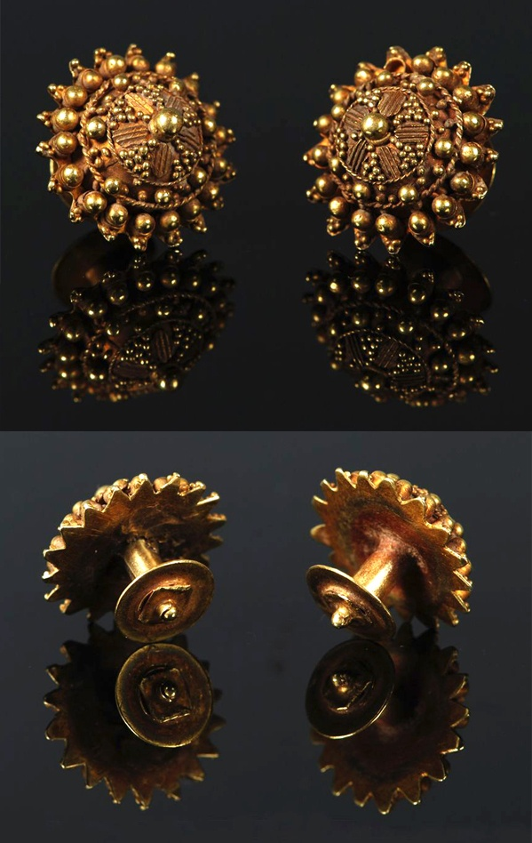 Thailand | Pair of gold ear ornaments from the 18th century | High karat gold (22k) with intricate granulation work | 1300$