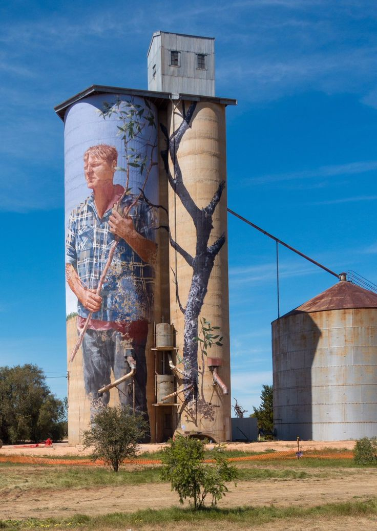 mural on grain silo, Patchewollock, The Wimmera, Australia by Fintan Magee. fintanmagee.com