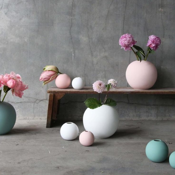 Cooee vase Ball