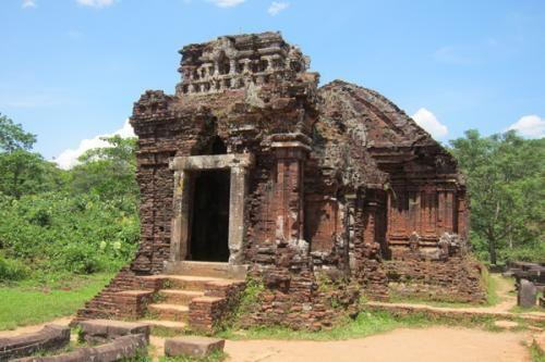 #VisiteHoiAnVietnam pour attraper le Vietnam dans sa vraie gloire, à Voyage dans le temps et pour profiter des plaisirs simples de la vie. https://www.apsense.com/article/top-tourist-destinations-experience-on-visite-hoi-an-vietnam.html