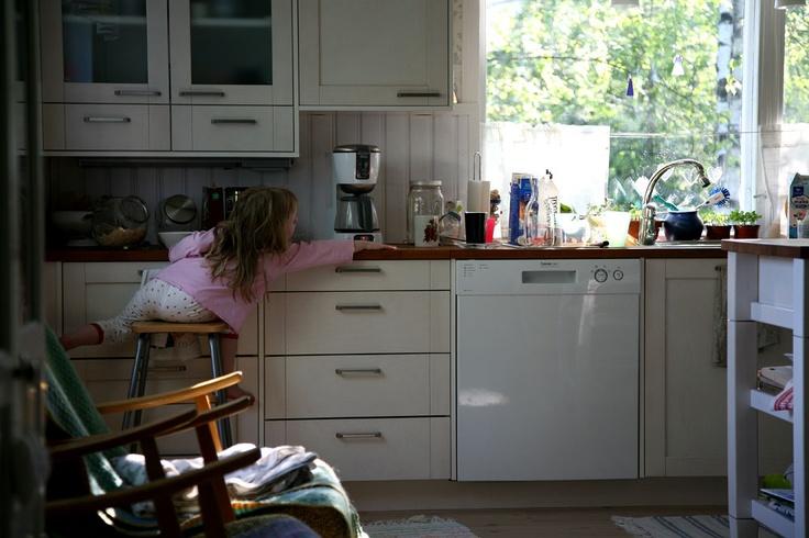 Kesäaamu keittiössä