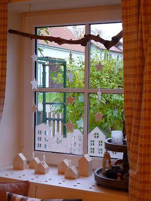 Meine grüne Wiese: Häuser im Fenster