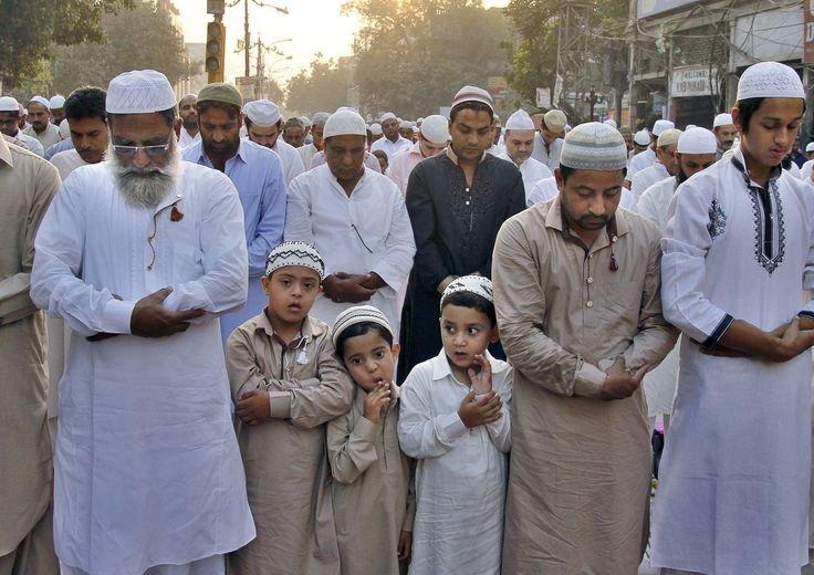 Eid Al-Adha 2014: Photos Of The Muslim Feast Of Sacrifice Around The World