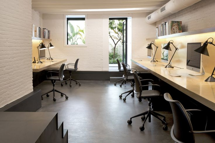 HomeVice design studio in Barcelona has refurbished their work space with Gas task chairs in black leather. Now their chairs are simple, light and comfortable. The perfect work chair. GAS: www.stua.com/design/gas-swivel