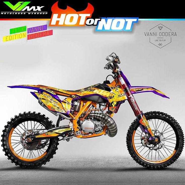 Hot or not? Owner: fmx rider @vannioddera  #hotornotmx #motocross #mx #dirtbike #dirtbikegraphics #dirtbikes #ktmbikes #fmx #ufoplast #mx4life #crossmotor #freestylemotocross #vannioddera
