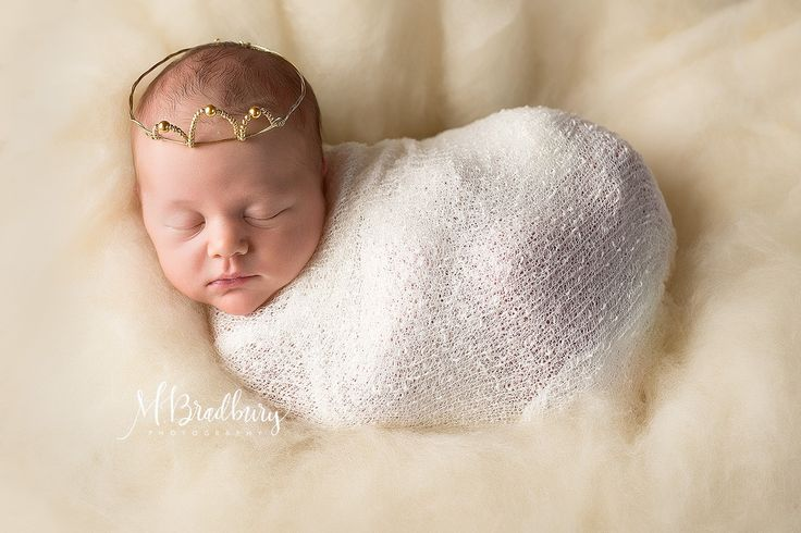 M bradbury photography specializes in newborn photography in frisco tx and surrounding areas capturing