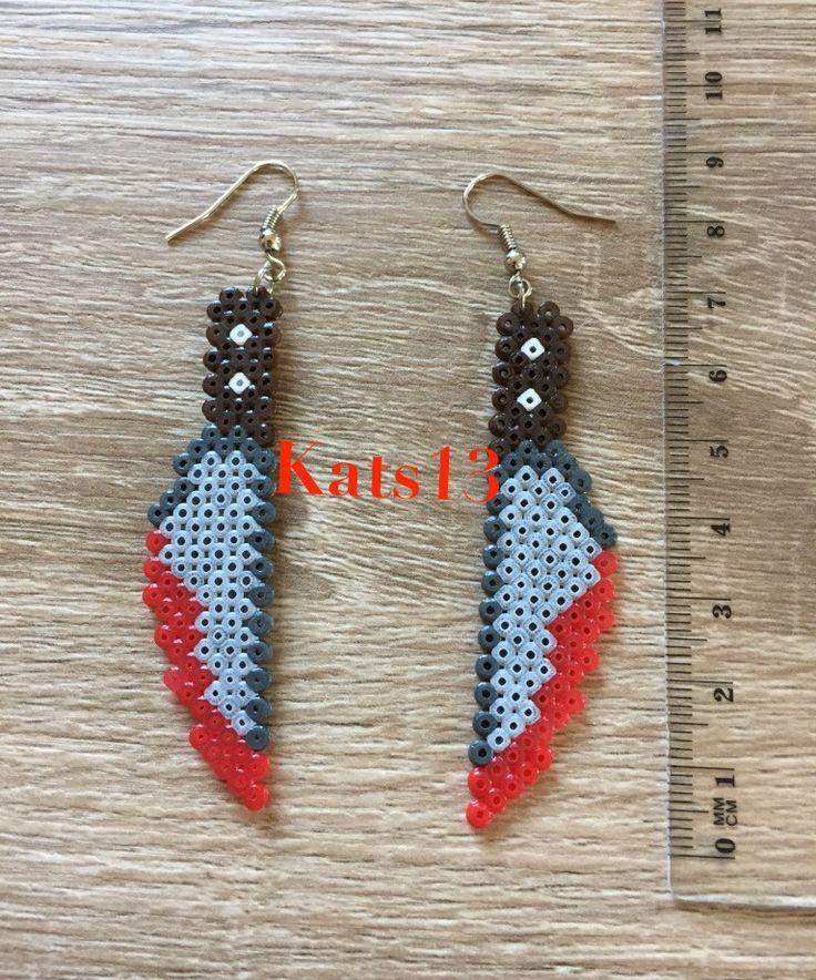 boucles d'oreilles couteau ensanglanté perles hama mini fait main Pixel Art