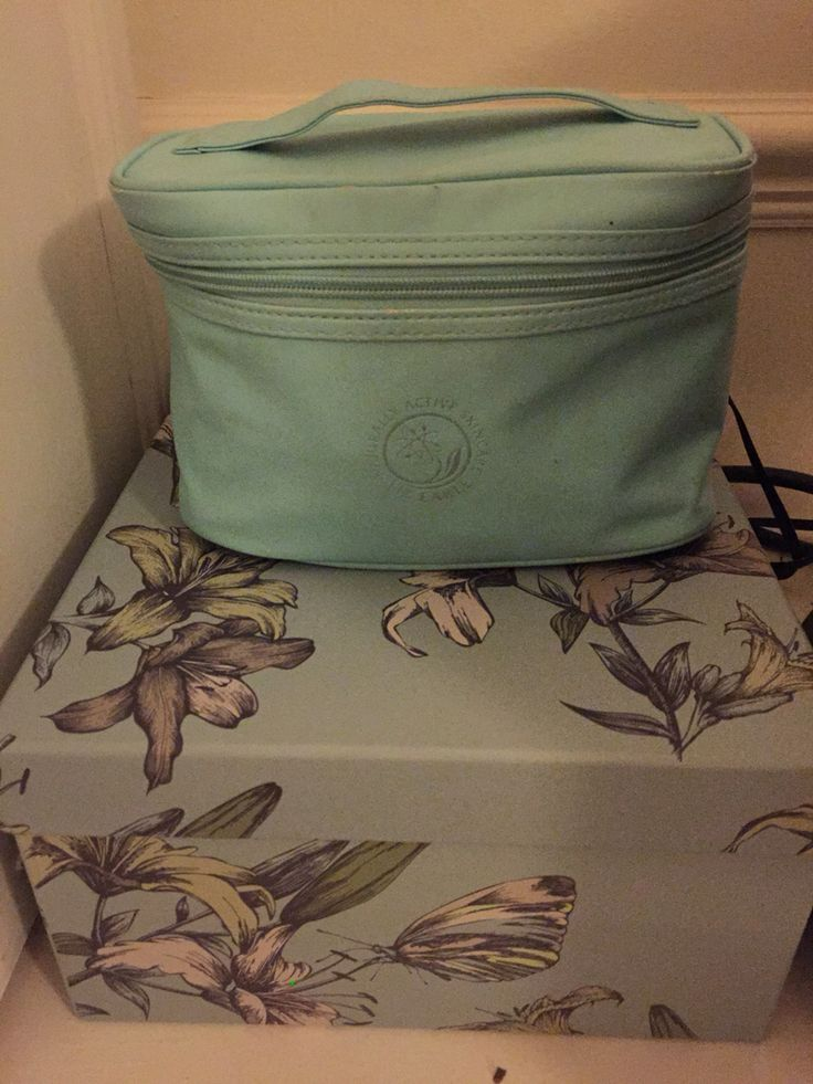 My colour inspiration for my bedroom. Duck egg blue gift box and my blue Liz Earle bag...