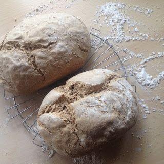 De Zelfvoorzieningsbijbel: Brood maken van oud brood