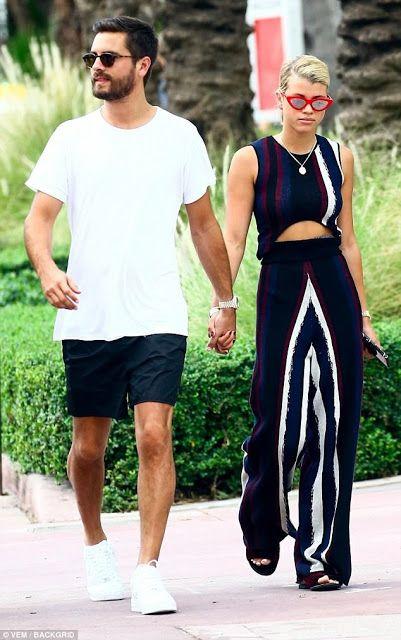 Scott Disick And Sofia Richie Steps Out In Miami Hours After Confirming Their Relationship With A Kiss. Father of three Scott Disick and his young girlfriend Sofia Richie was spotted in miami hours after they made their romance official by kissing in public during a night out at a Restaurant. The 34 year old reality star and the aspiring model whose father is vocalist Lionel Richie hold hands as they went for a walk together. Sofia flashed her midsection in a popular two-bit of strongly…