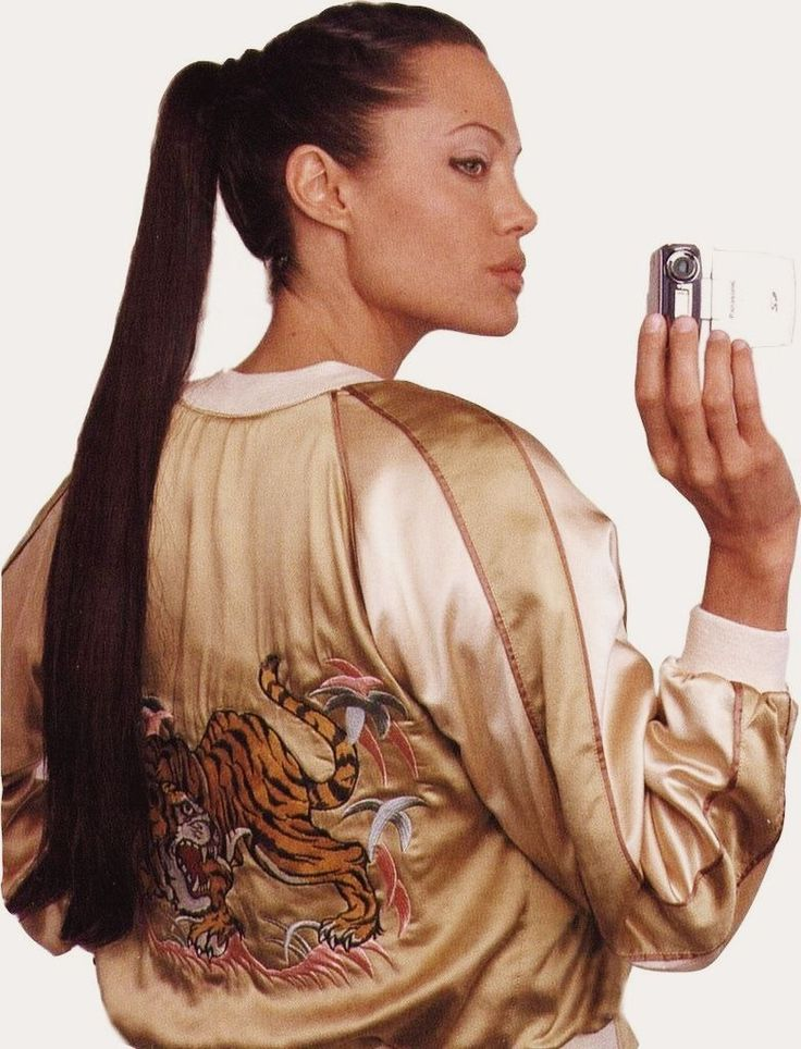 '90s Angelina Jolie