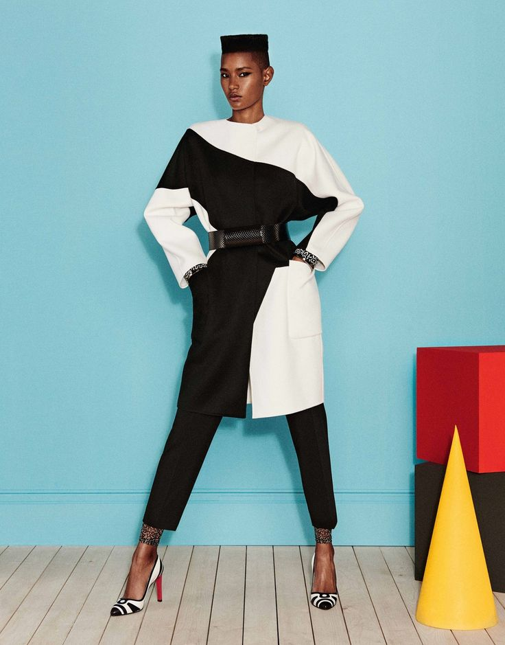 See the complete Max Mara Resort 2017 collection.
