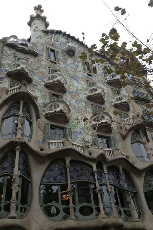 Gaudi architecture gaudi architecture pinterest for Architecture gaudi