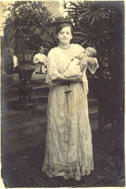Max Cassuto & Lien Cassuto, Pekalongan, 1915