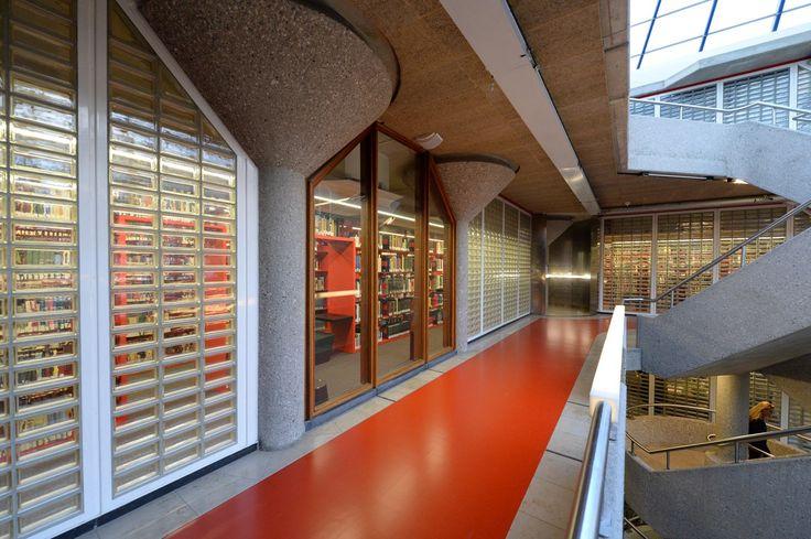 Leiden University library - Leiden, Netherlands / Kayar flooring https://www.pinterest.com/artigo_rf/kayar/